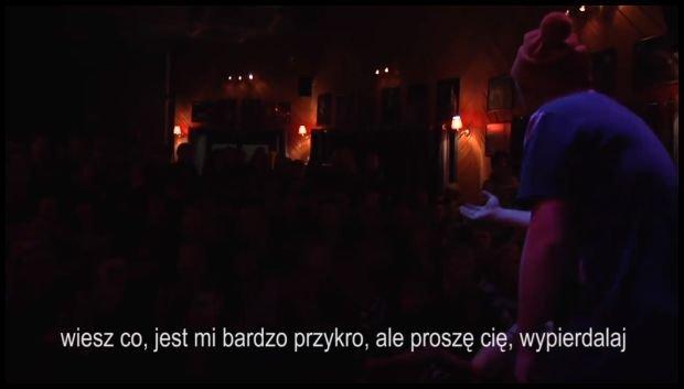 Czesław Mozil podczas koncertu w Liverpoolu
