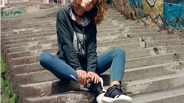 Sportowe buty w codziennych stylizacjach