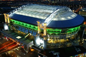Ajax będzie dowozić 80-letniego kibica na mecze