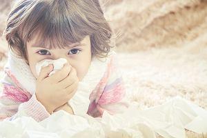 Zatkany nosek - zmora rodziców małych dzieci. Sposoby na to, aby ulżyć dziecku z katarem