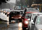Centrum miast dla czystych aut. Czy ograniczyć ruch starych pojazdów?