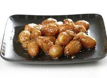 Młode ziemniaki gotowane w dashi - ugotuj