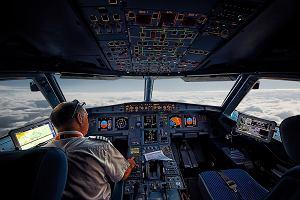 Przez pół roku udawał pilota, byuzyskać przywileje w czasie podróży. W końcu zostałprzyłapany