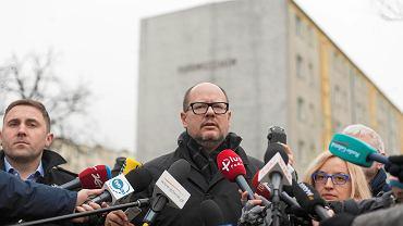 Prezydent Gdańska Paweł Adamowicz na konferencji prasowej przy ul. Dąbrowszczaków