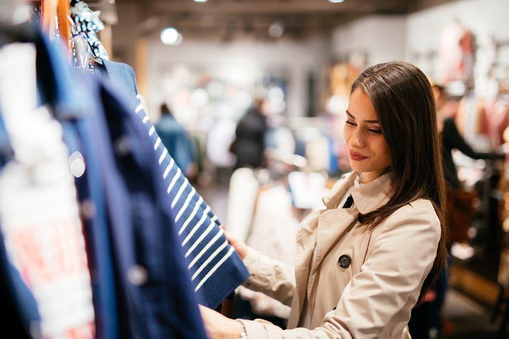 Auchan sprzedaje używane ubrania znanych marek