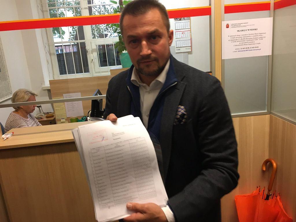 Piotr Guział z wnioskiem o referendum ws. odwołania prezydent Hanny Gronkiewicz-Waltz