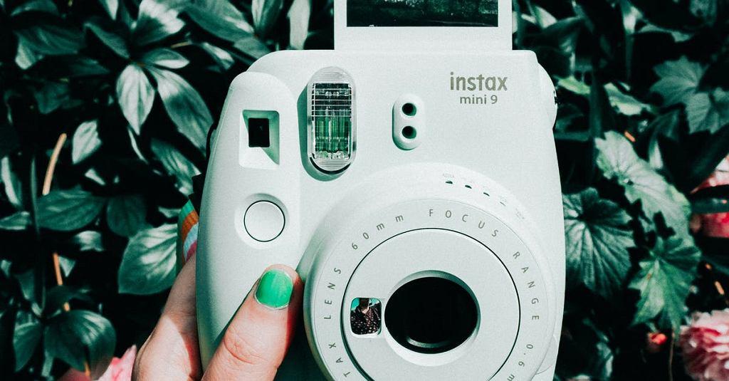 Instax - aparat natychmiastowy