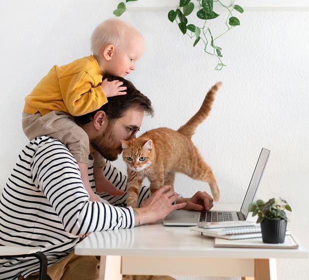 Koronawirus pokazał nam, że praca zdalna jest możliwa, i może pozwoli to na bardziej elastyczne podejście do tematu urlopów rodzicielskich ojców