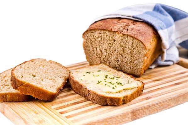Domowy pełnoziarnisty chleb Pan Carre