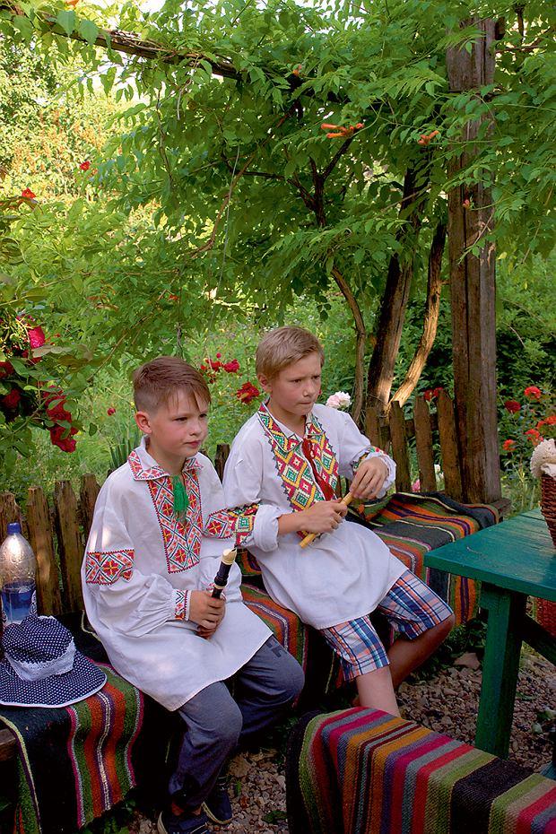 Mołdawia, mali muzykanci wCasa Parinteasca