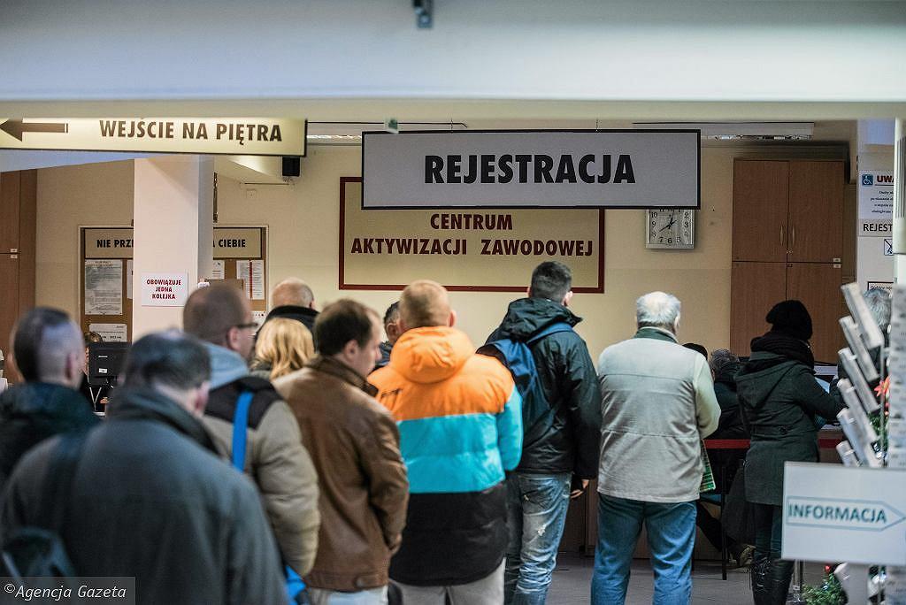 Zasiłek dla bezrobotnych. Od 1 czerwca wyższe świadczenie (zdjęcie ilustracyjne)