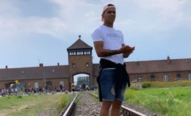 """Piłkarz ekstraklasy świętował urodziny w... Auschwitz. """"Jest mi wstyd. Nie wiedziałem, gdzie stoję"""""""