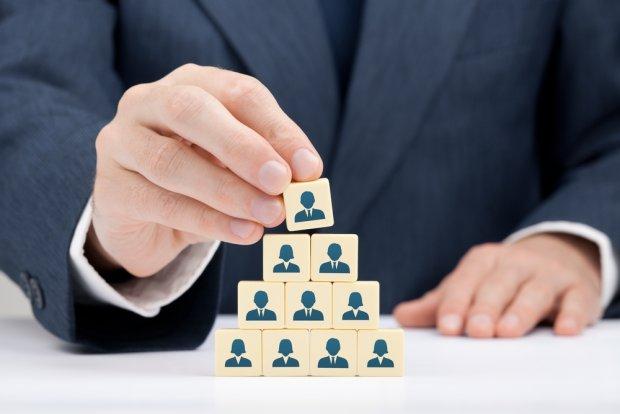 Grupę kapitałową tworzą wszyscy przedsiębiorcy, którzy są kontrolowani w sposób bezpośredni lub pośredni przez jednego przedsiębiorcę włącznie z tym przedsiębiorcą