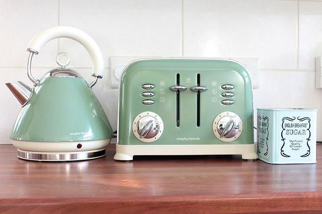 Fot. wrappedupinrainbows.blogspot.com / autor: brak informacji.