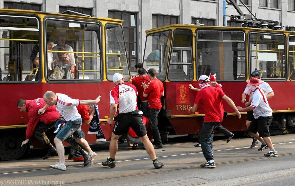Bójka kiboli w centrum Warszawy podczas Euro 2012