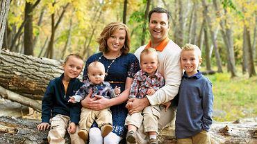 Brittney, 34 lata, Josh, 34 lata i ich synowie:  Hunter (7 lat), Wyatt (5 lat), Cooper (2 lata),  Deacon (10 miesięcy)