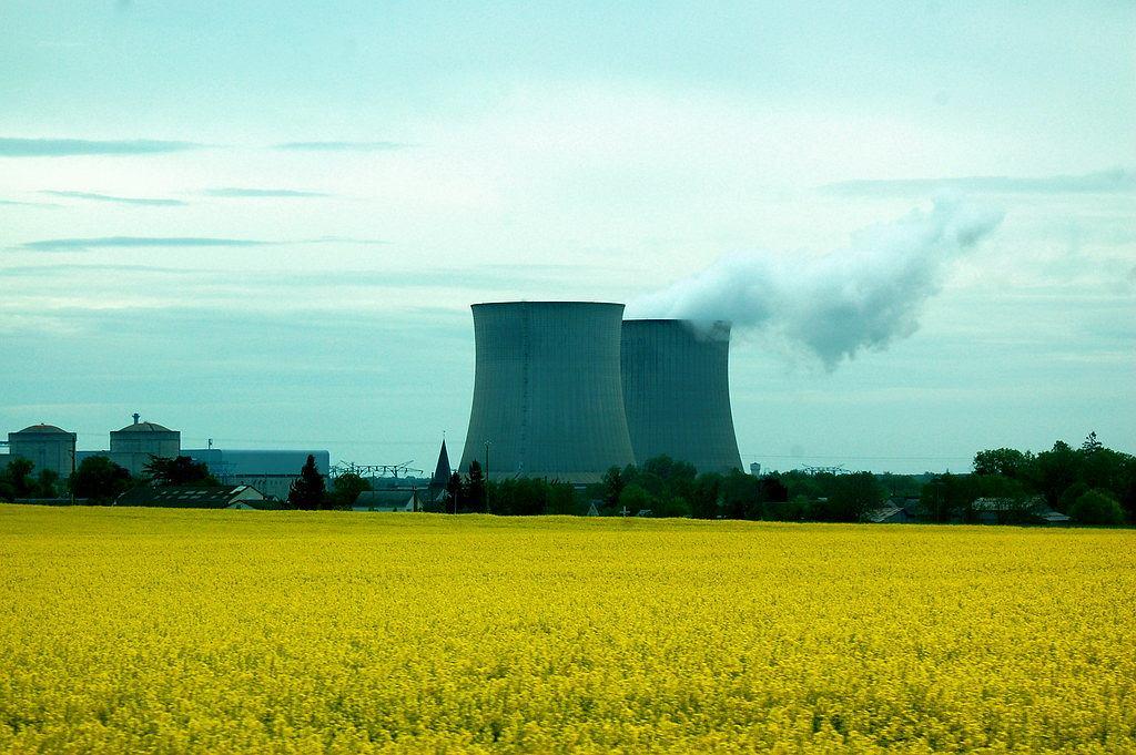 Energia atomowa we Francji, przedmieścia Paryża