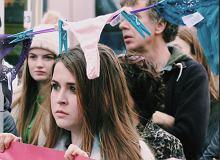 Irlandia. Protesty po wyroku w sprawie gwałtu na 17-letniej Irlandce