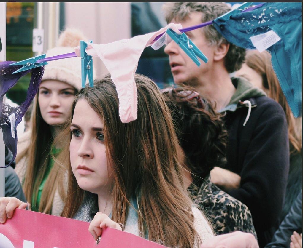 Protesty w Irlandii pod hasłem 'To nie jest zgoda'