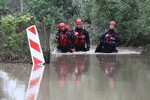 """Powódź w Myślenicach. 18 osób ewakuowanych po nocnej nawałnicy. """"Woda porywała samochody, niszczyła domy, straty będą wielomilionowe"""""""