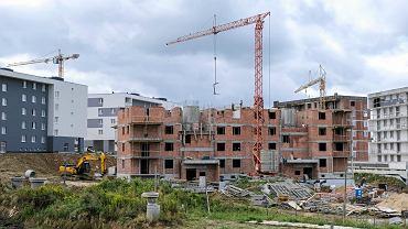 Budowa mieszkań. Zdjęcie ilustracyjne.