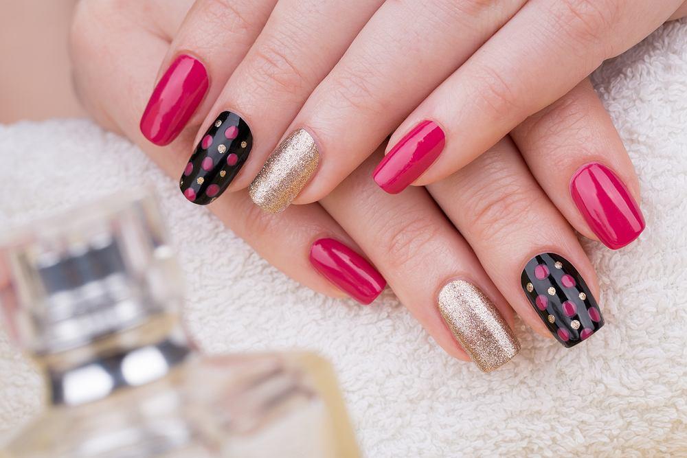 Wzorki na paznokcie cieszą się od lat niesłabnącą popularnością.