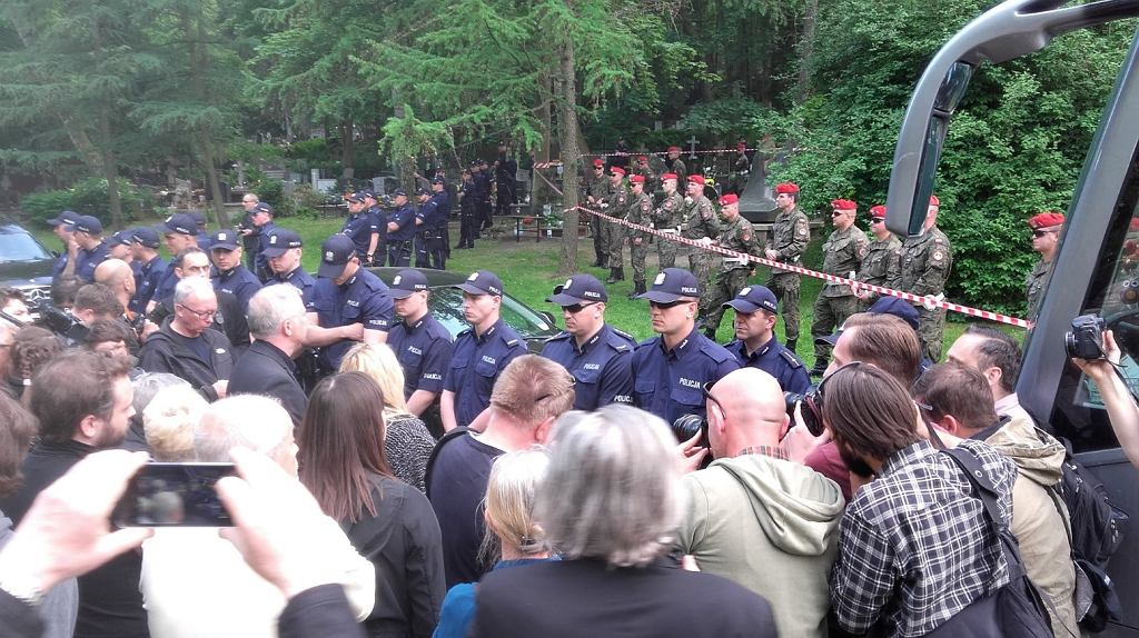 Protest przeciwko ekshumacji Arkadiusza Rybickiego