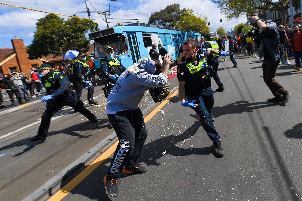 Virus Outbreak Australia Protest