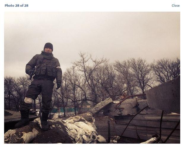 Bato Dambajew na linii frontu w Donbasie. Niby 'separatysta', ale tak naprawdę żołnierz rosyjskiej brygady zmechanizowanej