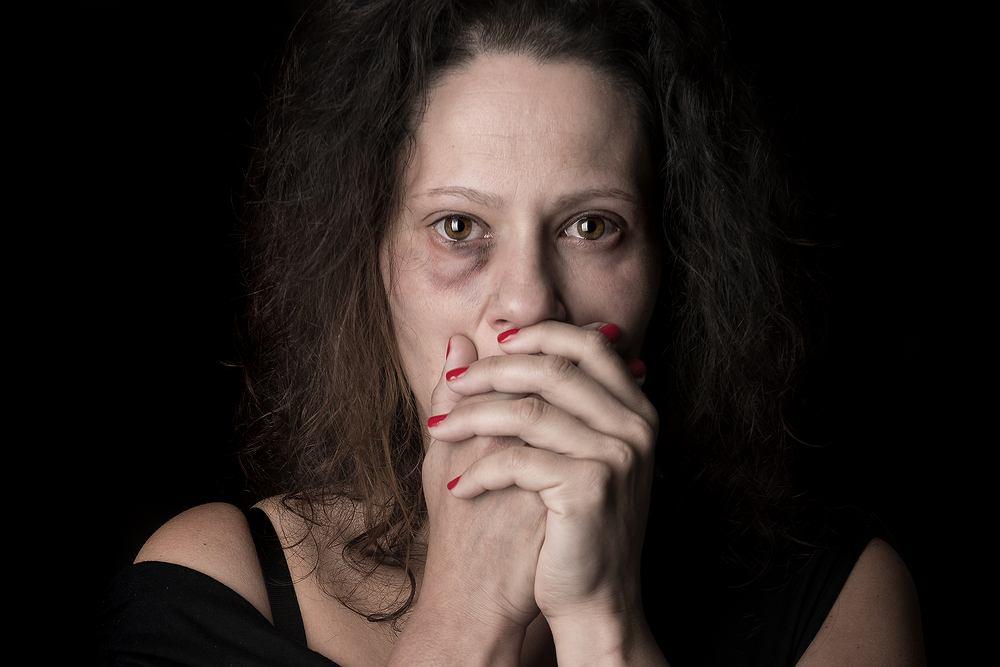 'Racjonalną decyzją kobiety jest często pozostawanie w przemocowych związkach' - mówi Urszula Nowakowska