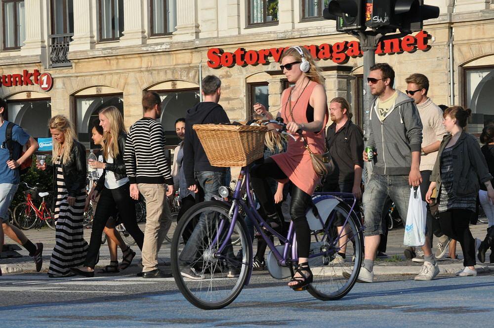 Jazda na rowerze w słuchawkach - bezpieczna czy nie?