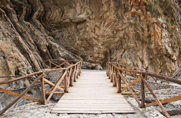 Najdłuższy w Europie wąwóz Samaria w Górach Białych na Korfu.