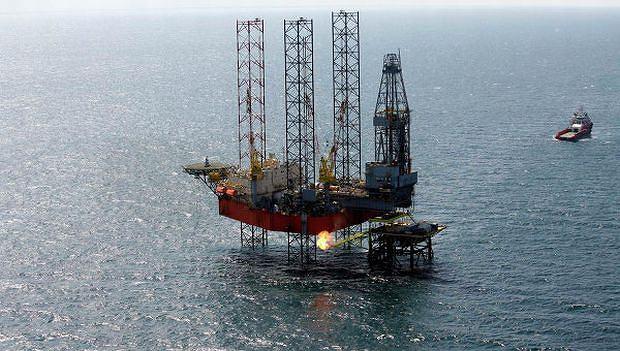 Platforma wiertnicza na Morzu Czarnym należąca do firmy Chernomorneftegaz