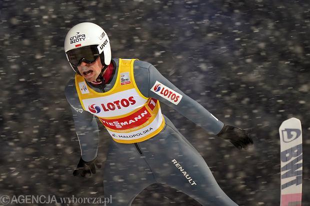 Piotr Żyła podczas druzynowego konkursu skokow Pucharu Swiata w skokach narciarskich, Zakopane 16.01.2021