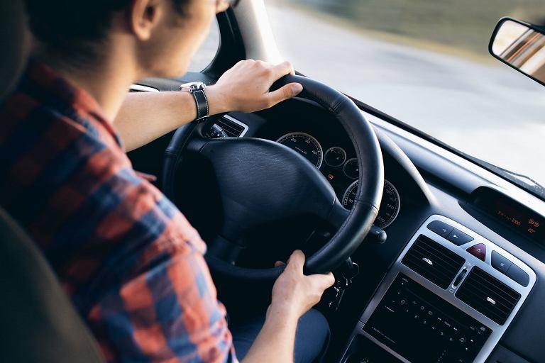 Jak poprawić jakość dźwięku w samochodzie niedużym kosztem?