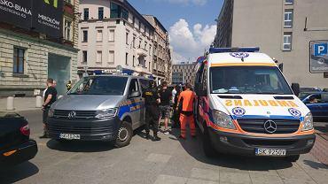 Straż miejska i pogotowie ratunkowe. Napad na strażnika miejskiego w centrum Katowic