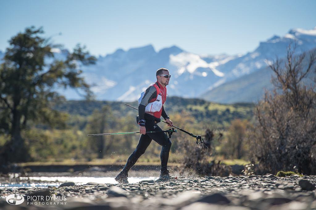 Piotr Hercog w Ultra Fiord w Patagonii