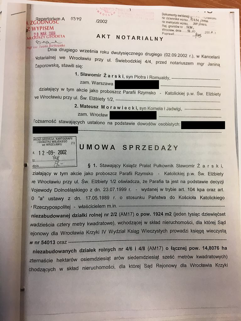 Umowa sprzedaży działki Mateuszowi Morawieckiemu (str. 1, ciąg dalszy można znaleźć w galerii zdjęć artykułu)