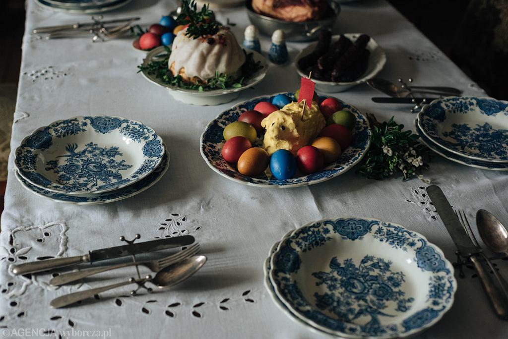 śniadanie wielkanocne (zdjęcie ilustracyjne)