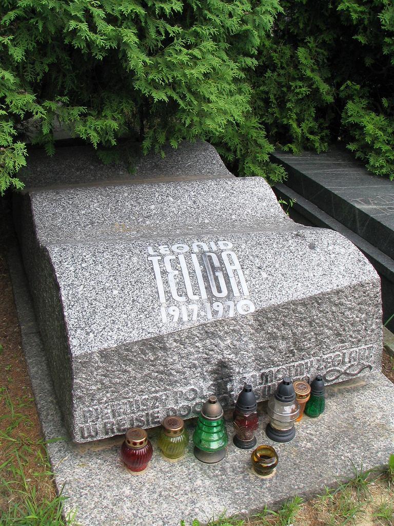 Grób Leonida Teligi na cmentarzu Wojskowym na Powązkach w Warszawie