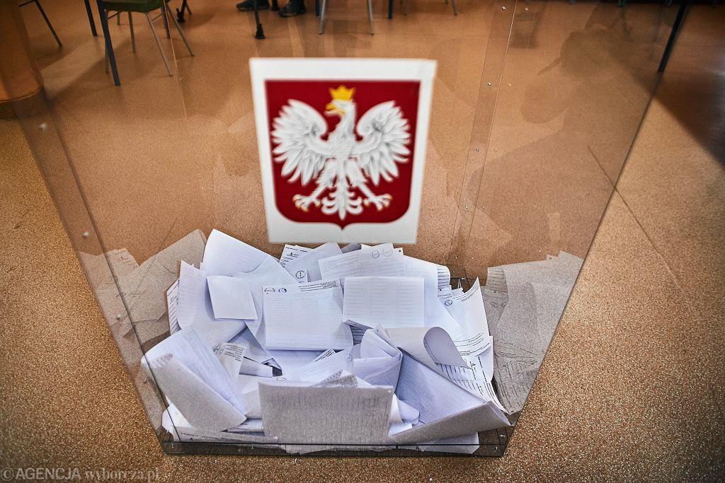 Urna wyborcza (zdjęcie ilustracyjne)