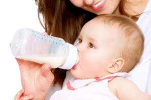 Akcesoria przydatne podczas karmienia butelką