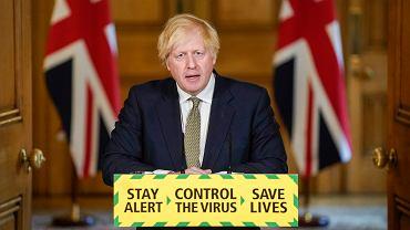 Boris Johnson podczas konferencji z 24 maja, na której bronił Dominica Cummingsa.