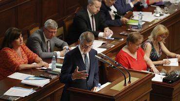 Andrej Babisz zostaje na stanowisku. Opozycja przegrała głosowanie w sprawie wotum nieufności dla premiera Czech