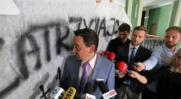 Rzecznik KRS sędzia Maciej Mitera w dniu blokowania przez Obywateli RP posiedzenia rady