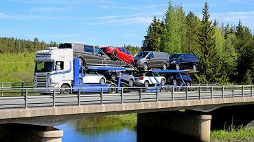 Tylko przez ostatnich 10 lat Polacy sprowadzili z Niemiec 5,5 mln używanych aut