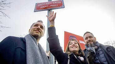 Mer Pragi Zdenek Hrib i Żanna Niemcowa podczas nadania imienia Borysa Niemcowa jednemu z placów w mieście  ŻANNA NIEMCOWA