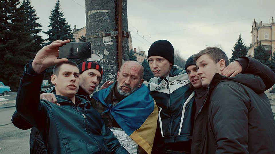 Kadr z filmu 'Donbas' Siergieja Łoźnicy