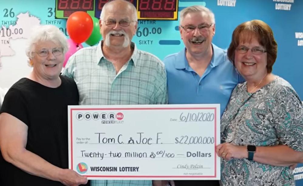 Zwycięzca loterii podzielił się swoją wygraną z kolegą