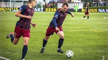 Michał Kucharczyk (z piłką) i David Stec podczas meczu Pogoni z Podhalem Nowy Targ
